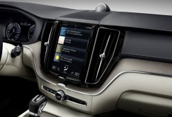205054_The_new_Volvo_XC60_Sensus_centre_display_updates
