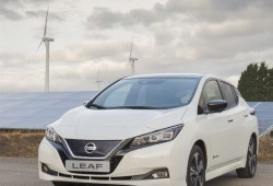 426212882_Production_begins_of_the_new_Nissan_LEAF_in_Europe