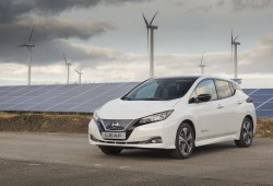 426212889_Production_begins_of_the_new_Nissan_LEAF_in_Europe